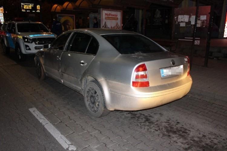 Parkoló autót tört Felsőzsolcán