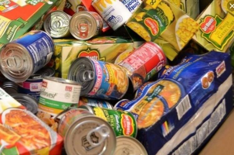 Ötös! Rengeteg élelmiszert gyűjtöttek a miskolci egyetemisták