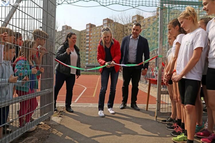 Világklasszis avatta fel a diósgyőri teniszpályát