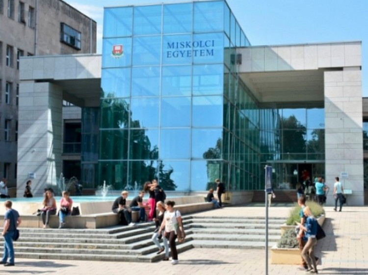 Sok pénzt kap a Miskolci Egyetem, mert kiváló