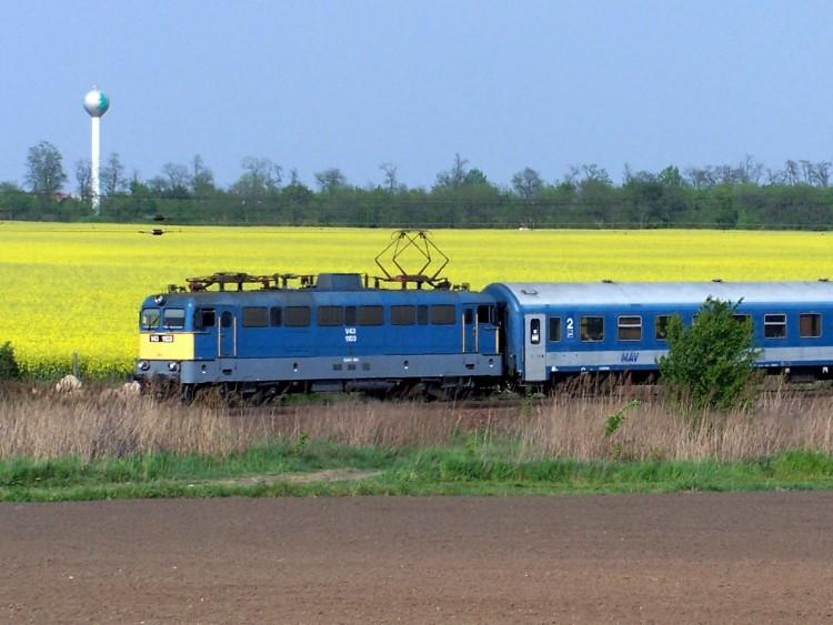 InterCity vonatok ütköztek kis híján