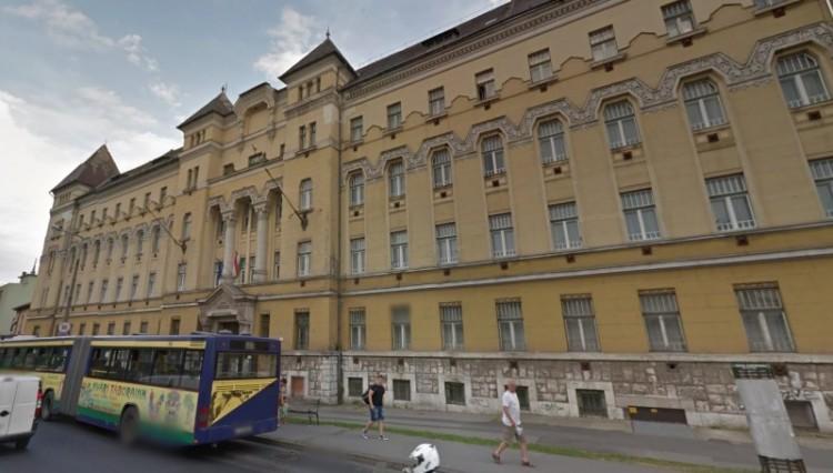 Pénzügyőr vezetők ültek a vádlottak padján Miskolcon