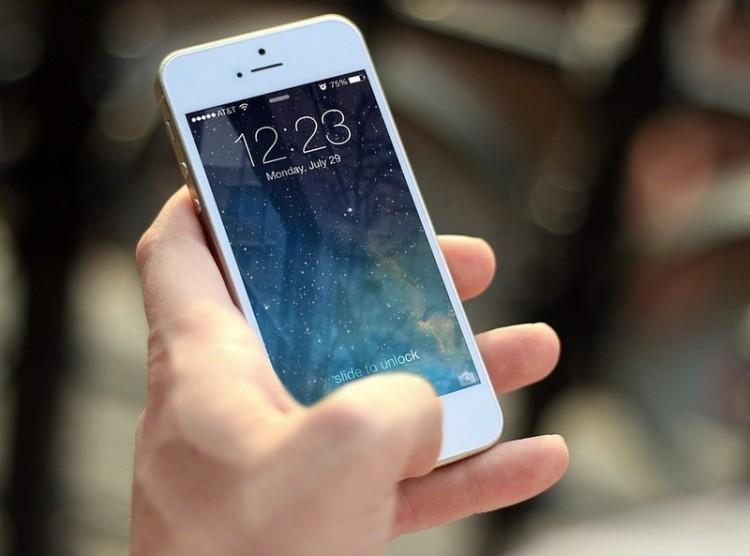 Öt és fél év fegyház egy mobiltelefonért az ózdi vagánynak