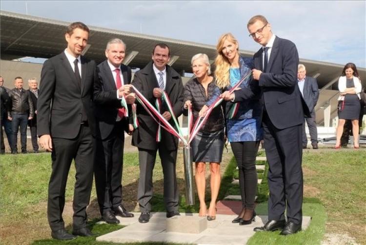 Lerakták az új miskolci sportcsarnok alapkövét