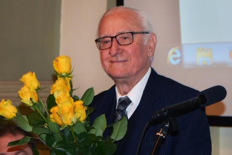 Boldog 90. születésnapot, Tanár Úr!