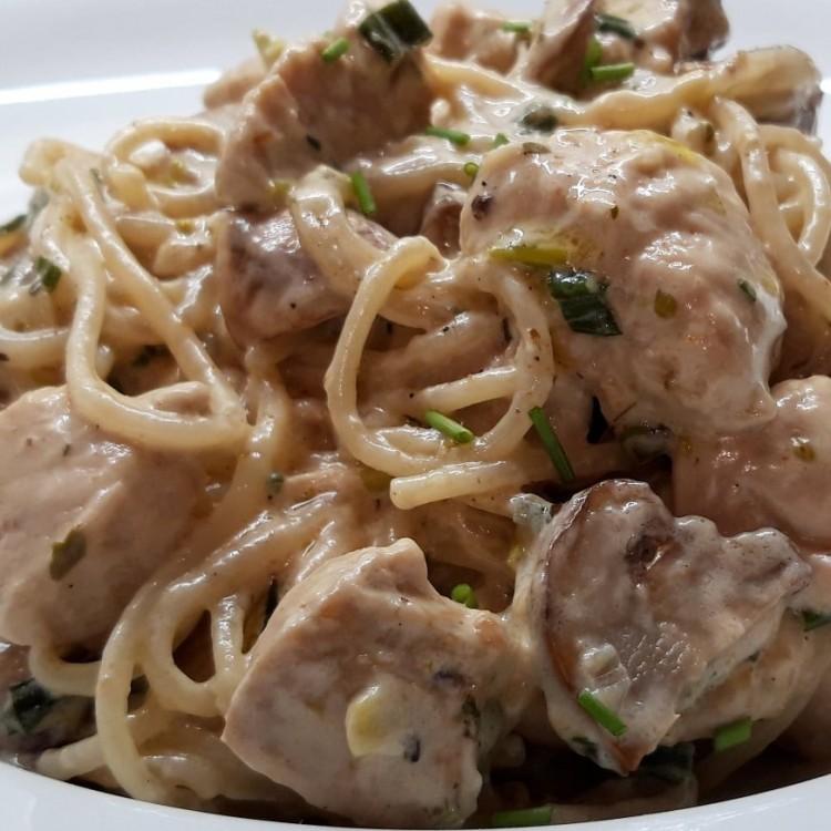 Recept: pikáns, gombás spagetti