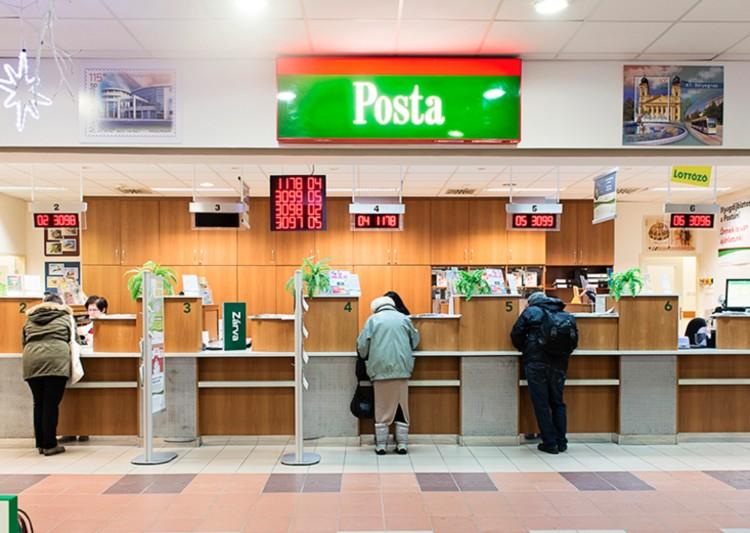 Az idősek elsőbbséget kapnak a postákon