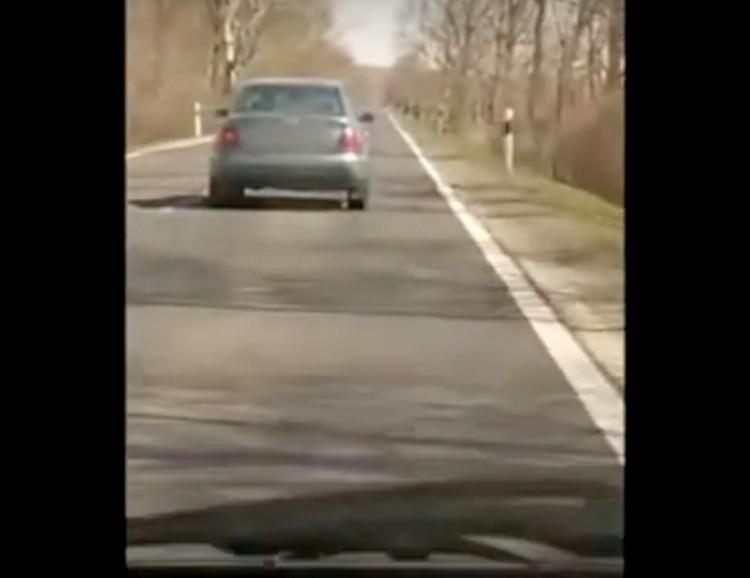 Videón az életveszélyesen vezető cigándi sofőr