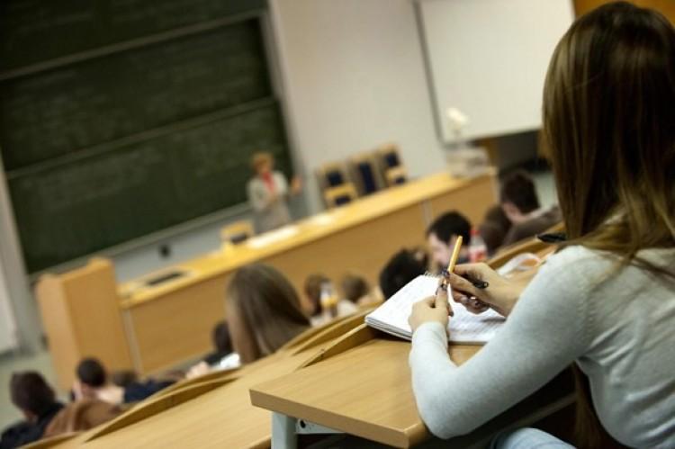Csak 91 ezren jelentkeztek felsőoktatási képzésre
