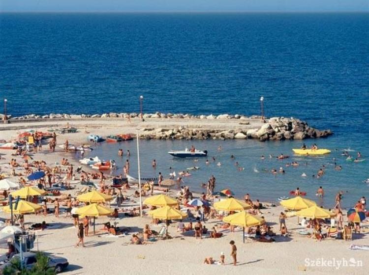 Románia is megnyitja határait és a strandjait