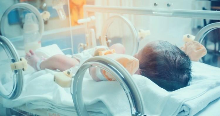 Újszülöttet hagytak a kazincbarcikai babamentő inkubátorban