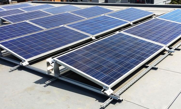 A napelemek egyre nagyobb teret hódítanak