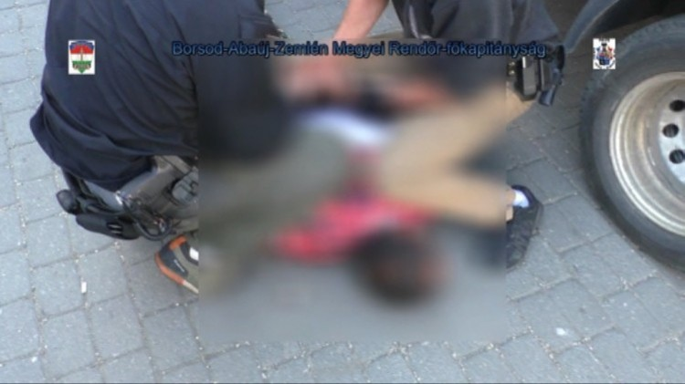Gyilkossággal, családirtással fenyegetőztek uzsorások Ózdon