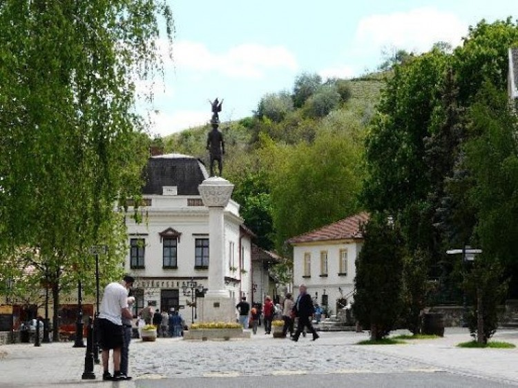 Áldatlan állapotok Tokajban