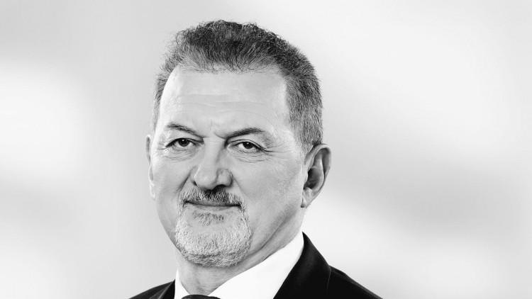 Fideszes párttársai, polgármesterek búcsúznak Koncz Ferenctől