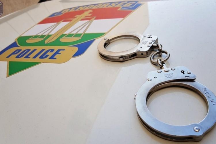 Hat évet kérnek a rendőröket fenyegető borsodi férfira