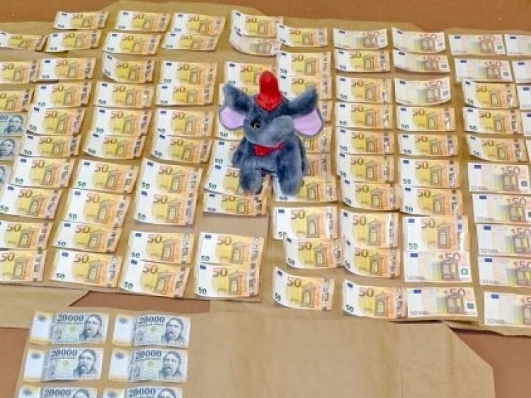 Több ezer eurót zsákmányolt három kazincbarcikai nő