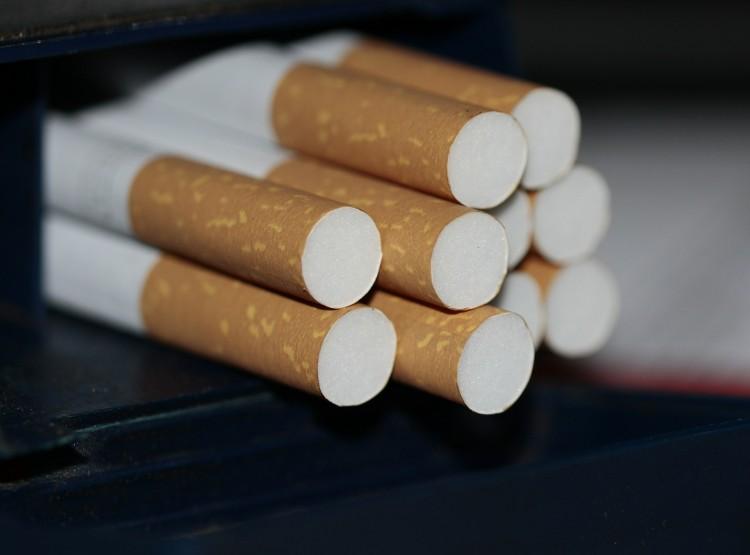 Bicskával követeltek cigarettát Ózdon