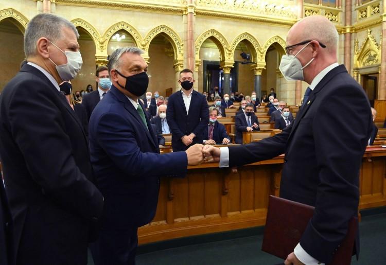 Kúriai elnököt választott az Országgyűlés