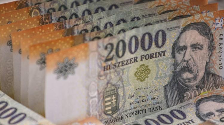 Magyarországon Mészáros Lőrincnél és Csányi Sándornál is vannak gazdagabbak