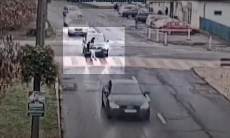 A zebrán sodortak el egy nőt Tiszaújvárosban