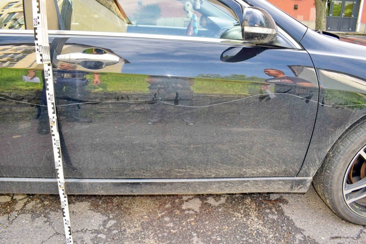 Öt autóban tett kárt egy 20 éves kazincbarcikai nő