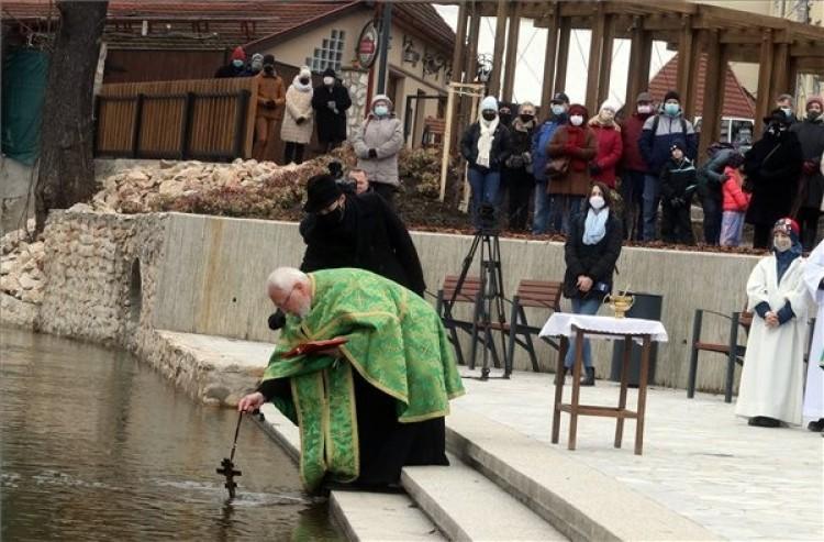 Megszentelték a Szinva vizét Miskolcon