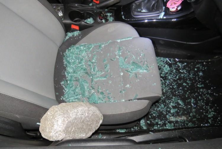 Nyolc autót tört fel Miskolcon, az egyiket csokiért