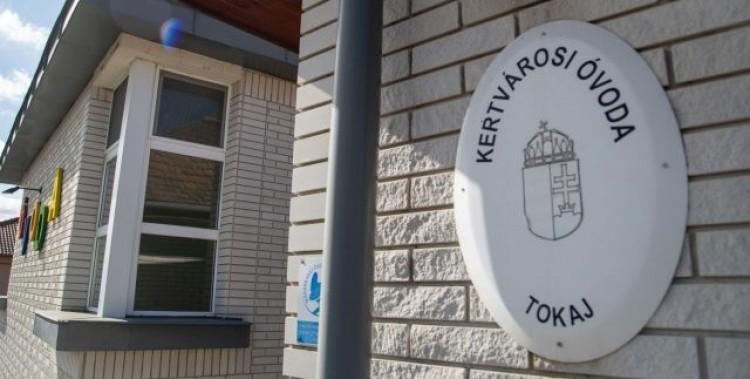 A koronavírus miatt rendkívüli szünet a tokaji óvodában
