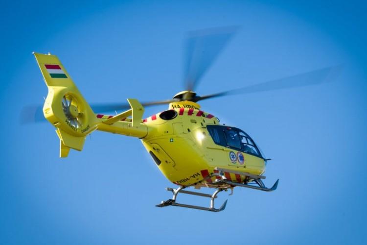 Mentőhelikoptert hívtak a taktaszadai balesethez