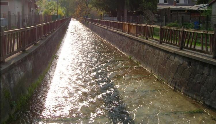 Helyreállítják a Szent László-patak támfalát Miskolcon