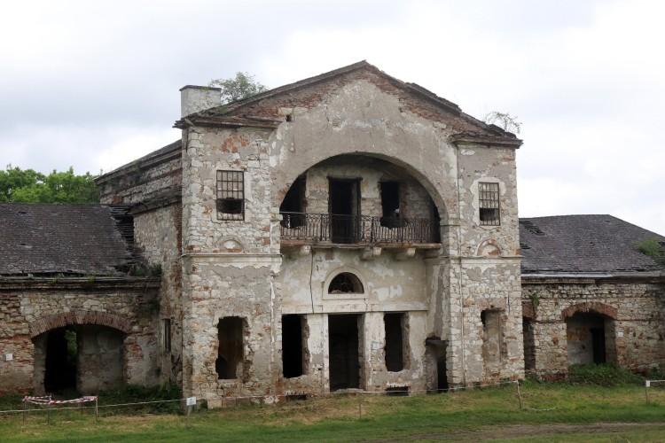 Romjaiból születik újjá a kastély Abaújszántón
