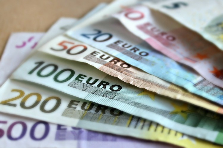 A készpénzellenőrzés szigorúbb lesz nyártól a külső uniós határokon