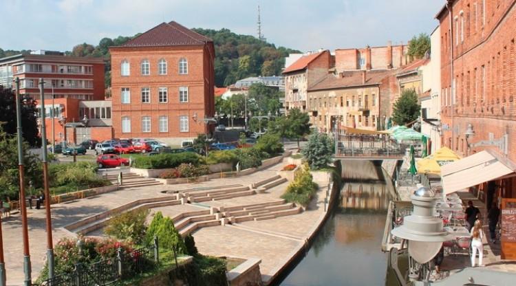 Engedély nélkül épített híd Miskolcon - az önkormányzat elbontatja!
