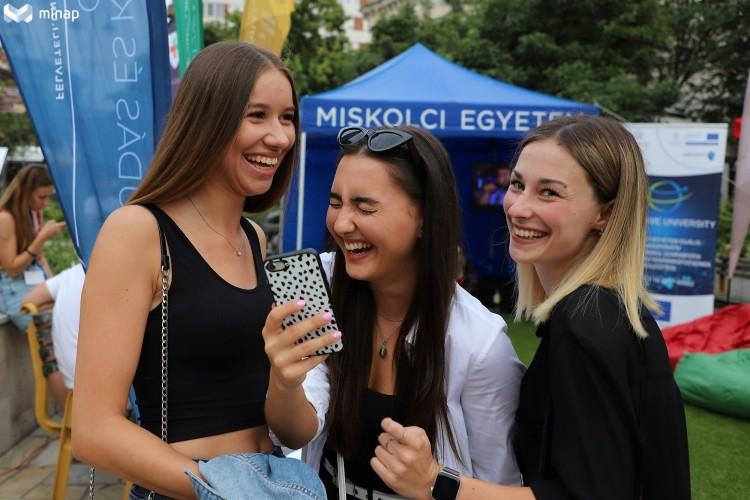 Pont ott! Eredményváró parti Miskolcon