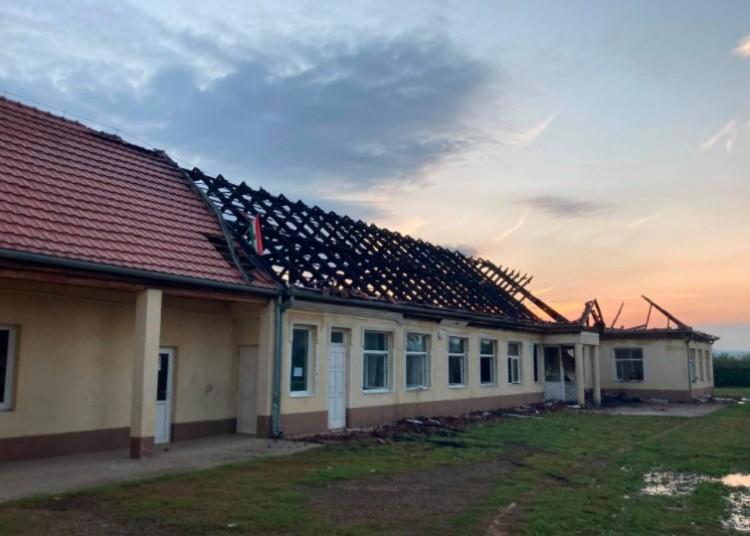 Leégett egy iskolaépület Encsen, ezen a héten nincs tanítás!