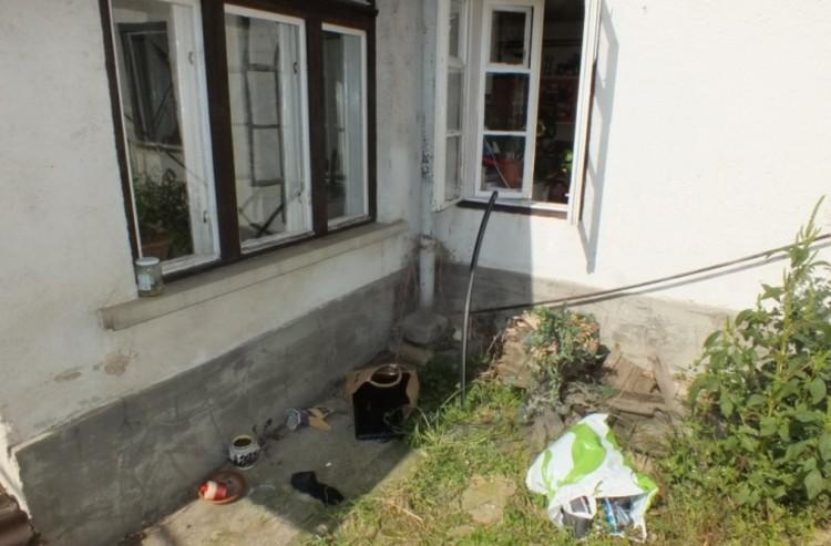 Épp a ház ablakában kapták el az ózdi betörőt