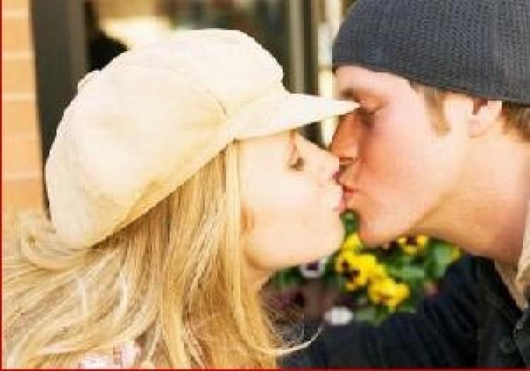 Csóktilalom Ausztriában
