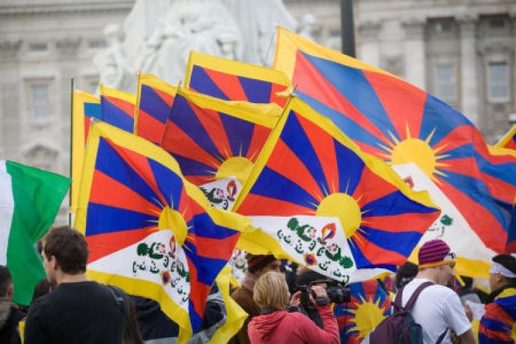 Adjátok vissza Tibet hegyeit!