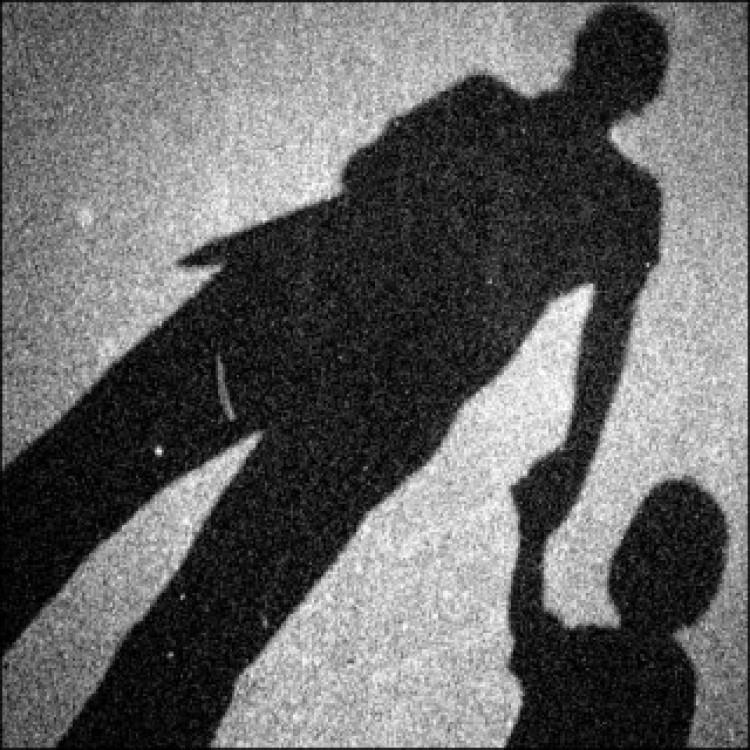 Apja karjaiból rabolták el