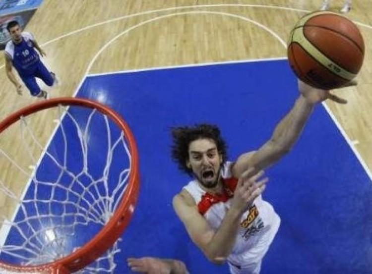 Kosárlabdában a spanyolok a királyok