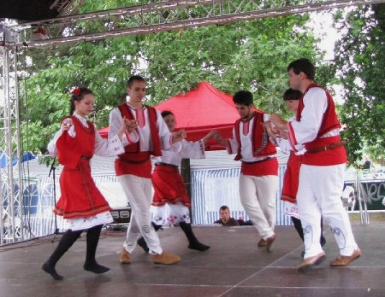 Debrecenben (is) ünnepel Bulgária