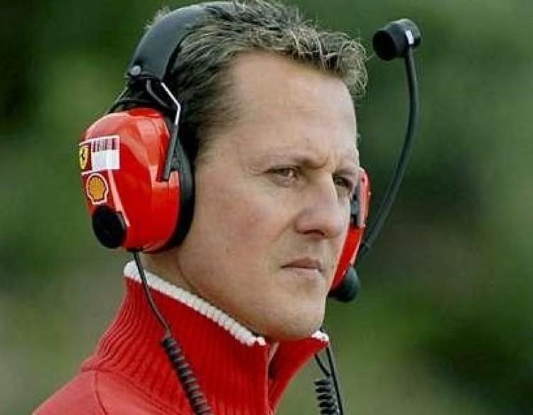 A Mercedes komolyan gondolja Schumachert!