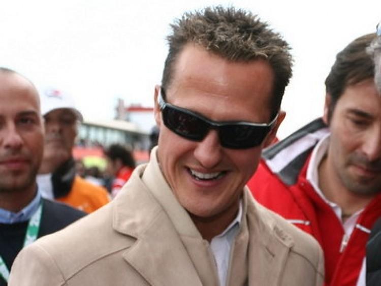 Aláírta a szerződést Schumacher