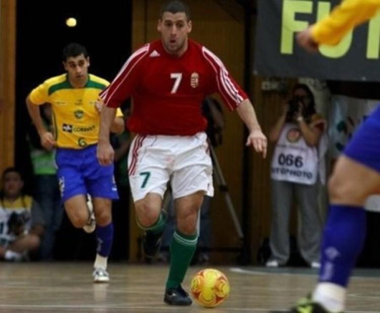 Brazíliából érkezett, mestersége címere: futsaljátékos