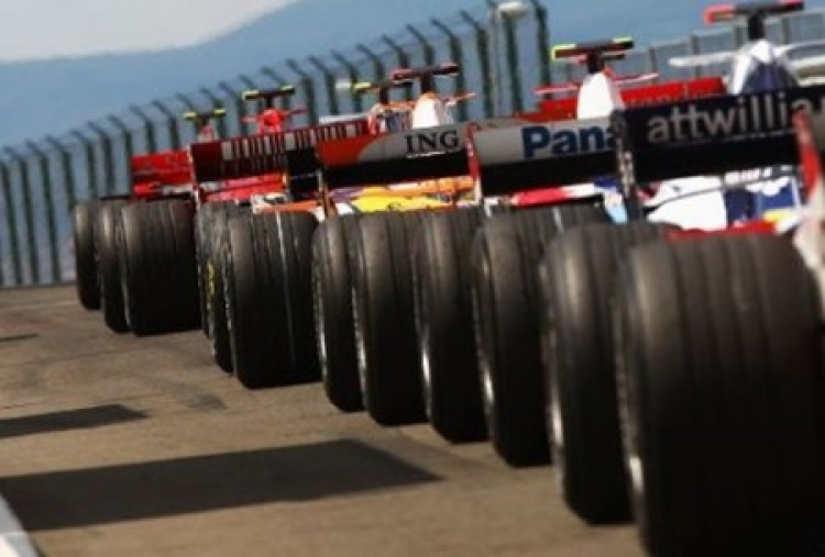 F1: alakul a 2010-es rajtrács