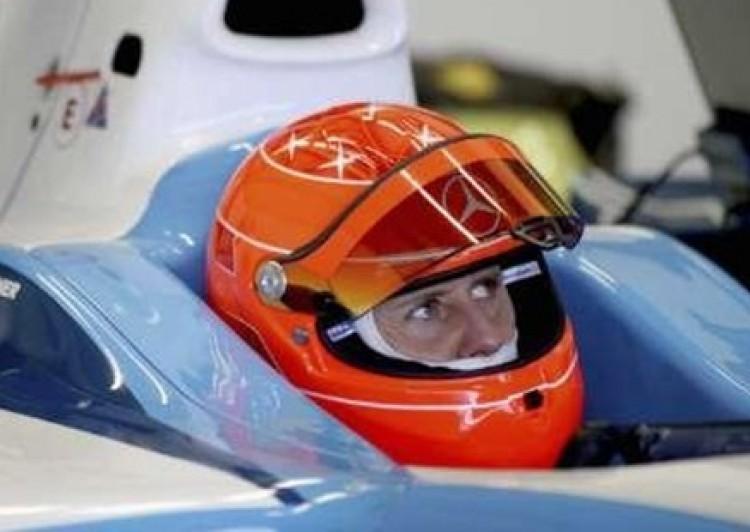 Schumachernek fáj a nyaka, de nem aggódik