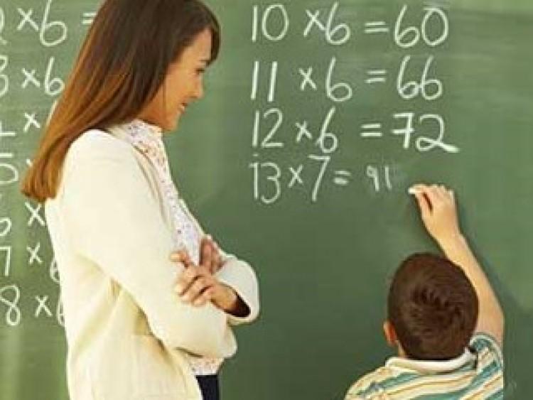 Fidesz: buktass, ha kell, tanár!