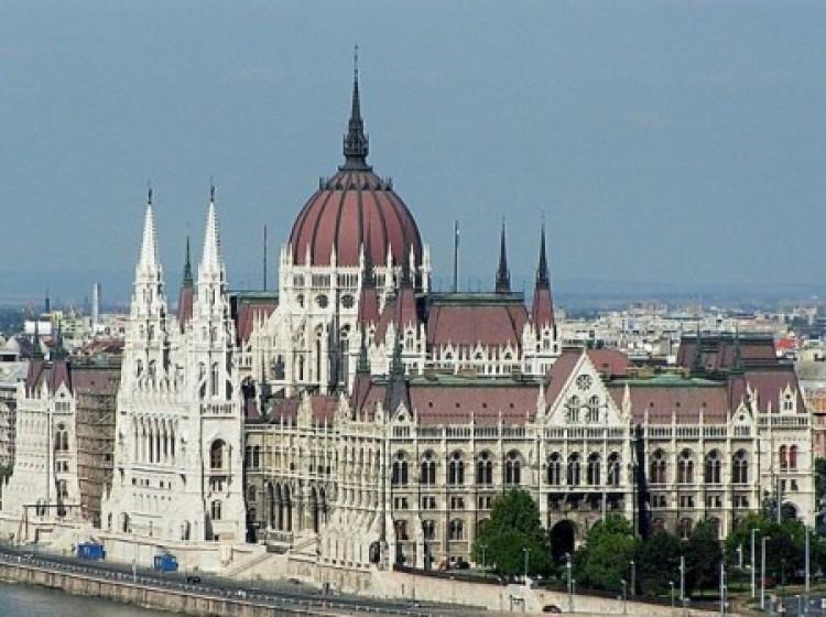 Fidesz-kétharmadnak örülne legjobban a piac