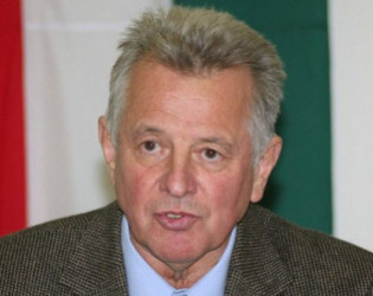 Ünnepelni jön Debrecenbe Schmitt Pál